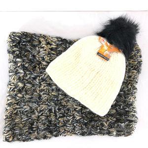 Screamer Beanie Hat Infinity Scarf Set Knit Pom